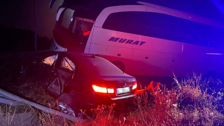 Катастрофа между румънски бус и лека кола край Велико Търново