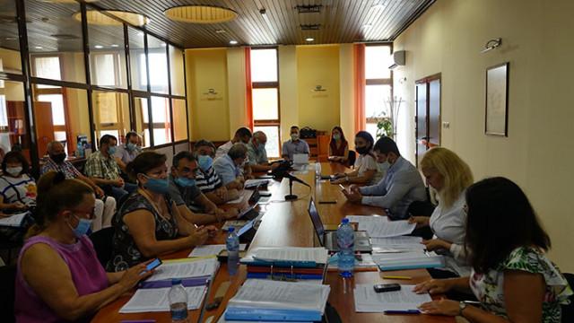"""Три предложения за удостояване със званието """"Почетен гражданин на Варна"""" приеха съветниците"""