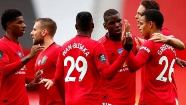 Манчестър Юнайтед прегази Борнемут и гледа към ШЛ
