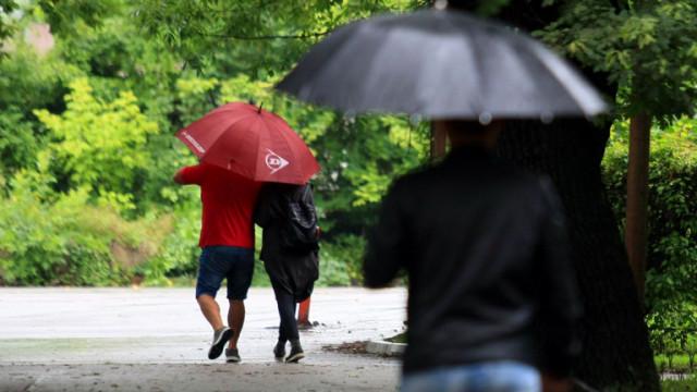 Дъждовна и ветровита неделя