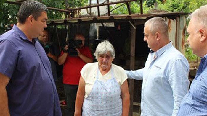 Задържаха рецидивисти, били, малтретирали и ограбили възрастна жена в Белово