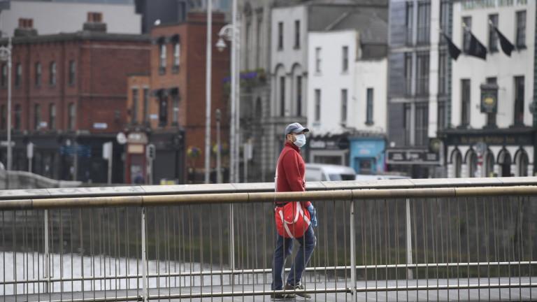 И Ирландия отлага облекчаването на мерките