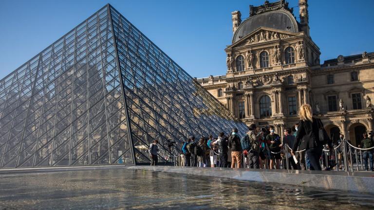 Лувърът отвори четири месеца след затварянето му