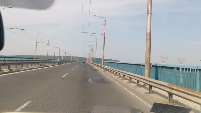 Запълниха дупките на Аспарухов мост, готови са и трасетата по изхода и входа на квартала (СНИМКИ)