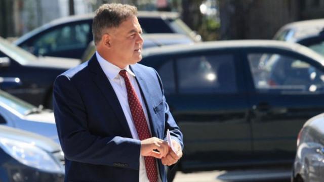 Ненчев предупреди десните да не се поставят в услуга на Радев