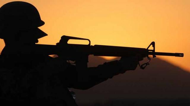 Евакуират двама български военнослужещи с COVID-19 от мисията ни в Афганистан