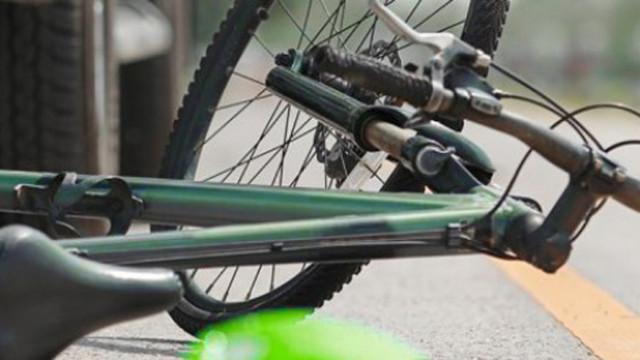 Блъснаха велосипедист на кръстовище във Варна
