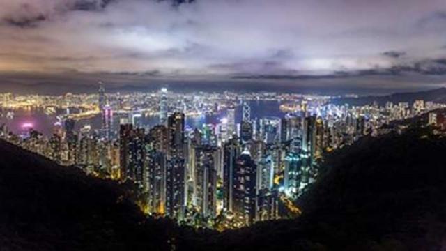 Хонконг затваря училищата заради скок в броя на заразените с COVID-19