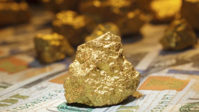 Борсово търгуваните фондове купуват рекордно количество злато през първото полугодие