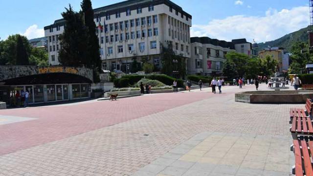 В Асеновград двама пациенти с COVID-19 вече са изписани от болница