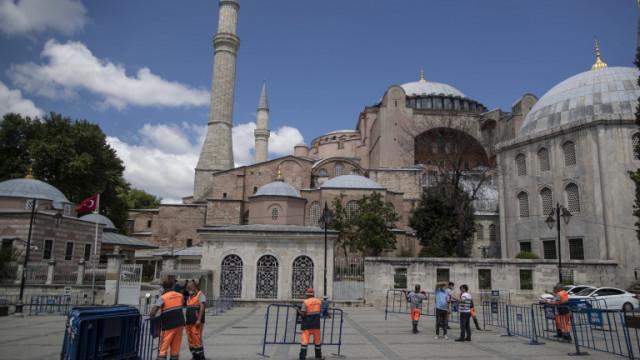 """Ердоган превърна """"Света София"""" в джамия"""