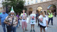 Стотици вече са пред президентството (СНИМКИ)