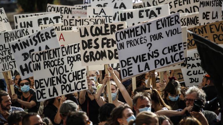 Стотици жени на бунт срещу френския вътрешен министър, съден за изнасилване