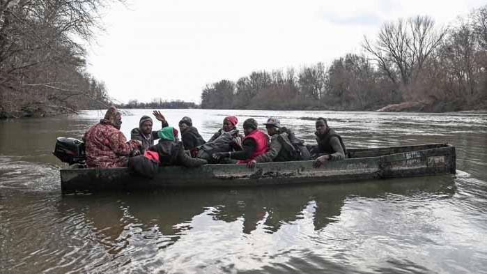 Над 500 мигранти са пристигнали на остров Лампедуза за два дни