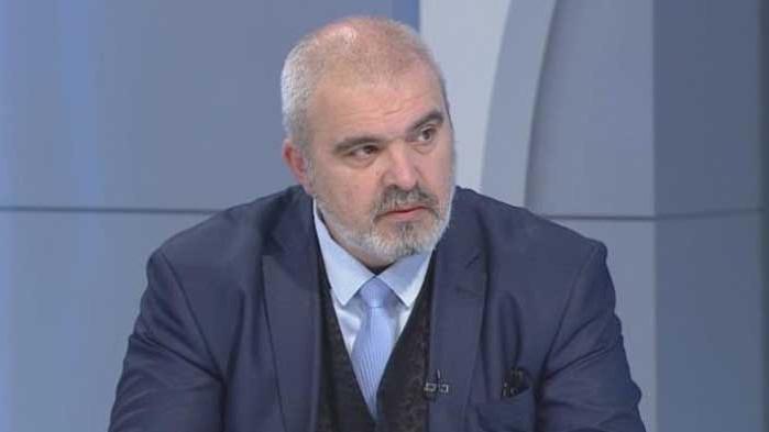 Манев за Цветанов: Не може да отиде на нито един от двата протеста, защото не го искат никъде