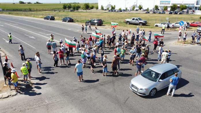 Граждани искат основен ремонт на пътя Русе-Кубрат