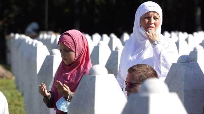 Босна отбелязва 25 години от геноцида в Сребреница