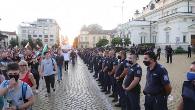 САЩ предупреди гражданите си да странят от местата на протест в София и да не привличат внимание