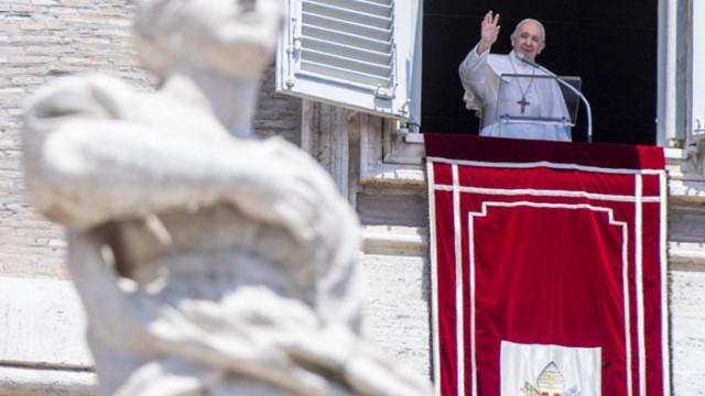 """Папата """"дълбоко натъжен"""" от решението """"Света София"""" да стане джамия"""