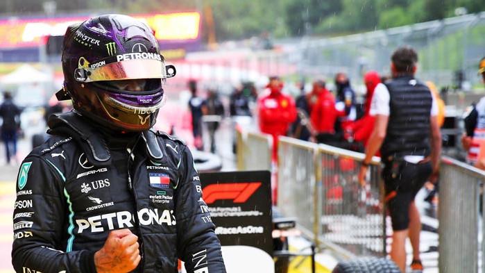 Хамилтън с първи успех за сезона, двойна победа за Мерцедес в Австрия