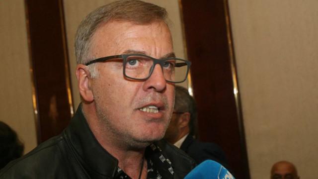 Наско Сираков получава акциите на Левски от Васил Божков