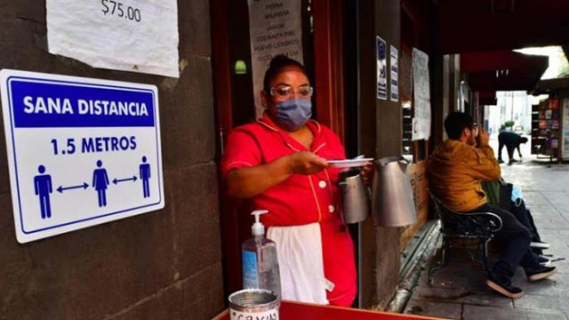 Индия надхвърли 900 хил. заразени с коронавируса, Мексико - над 300 000 души