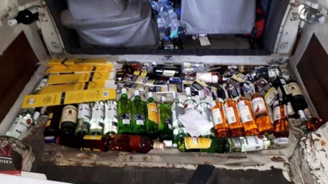 Хасковски полицаи иззеха алкохол с неплатен акциз и 500 стоки менте