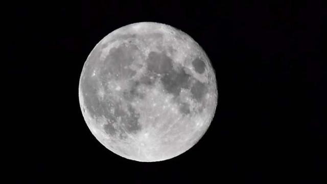 Луната е милиони години по-млада, отколкото се смяташе досега