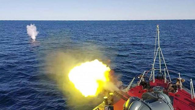 """Корабите, участващи в учението """"Бриз 2020"""", изпълняват планираните задачи (СНИМКИ)"""
