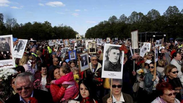 """Русия отлага шествието на """"Безсмъртния полк"""""""