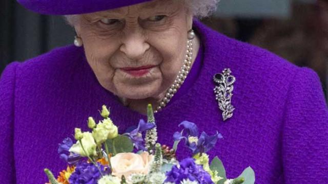 100-годишен британски ветеран отказа чай с кралица Елизабет II, бил ангажиран