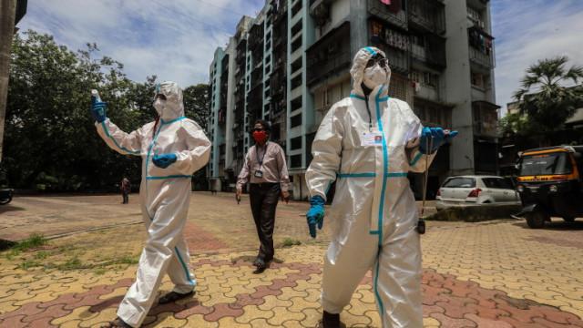 По-вероятно е човек да се зарази с новия коронавирус у дома