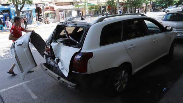 Катастрофа с трамвай и 3 автомобила в столичния център
