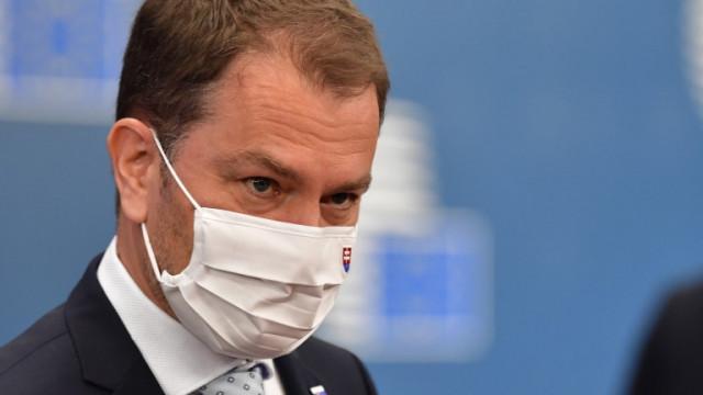 Премиерът на Словакия Игор Матович оцеля при вот на недоверие