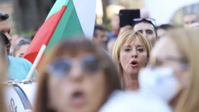 Манолова: Орешарски предложи Пеевски, но казах, че съм аз