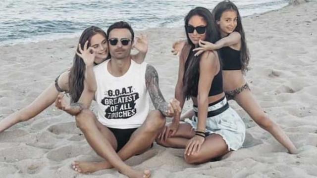 Бербатов на море с порасналите си момичета (СНИМКИ)