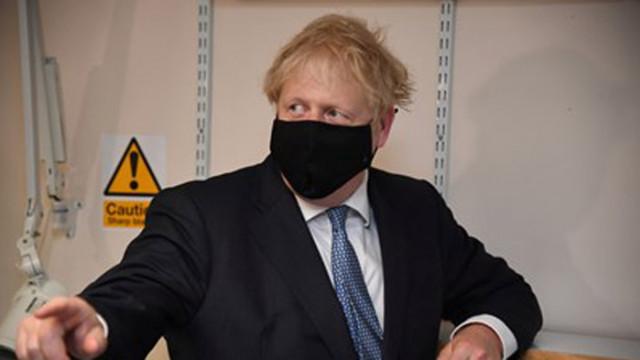 Борис Джонсън с план как британците да се справят с наднормено тегло
