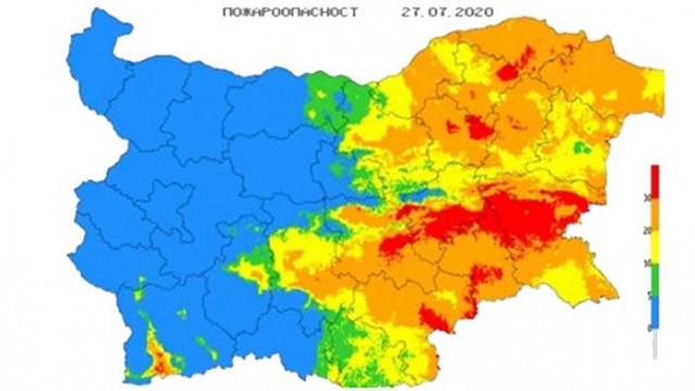 Опасност от екстремни пожари в 10 области на страната