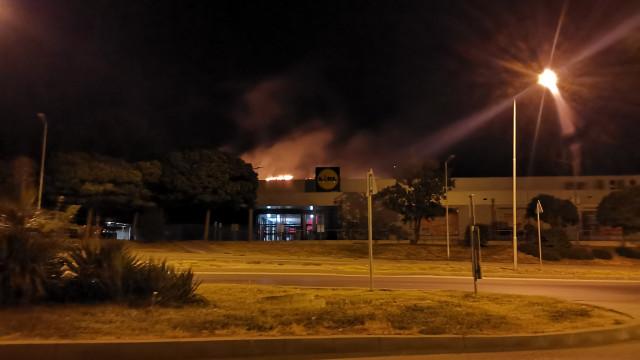 Пожар избухна над Лидъл във Владиславово