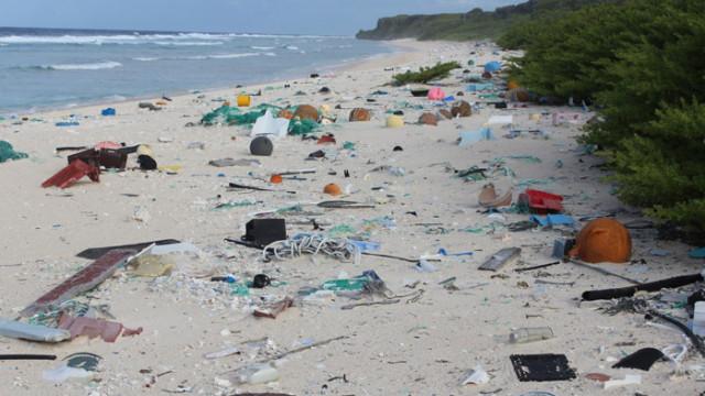 В Япония създадоха разтворими в морска вода пластмасови пликове