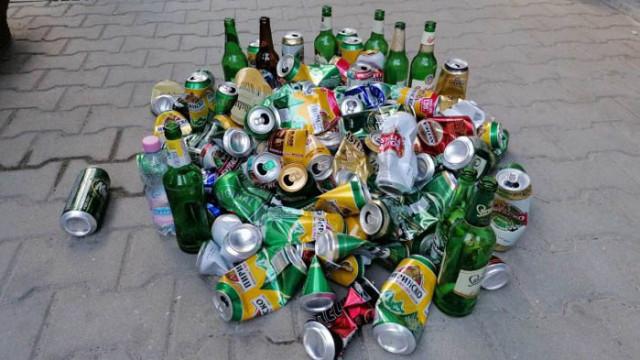 """""""Отровният"""" Хаджигенов зове протестиращи да си носят кенчетата бира, изпити през деня"""