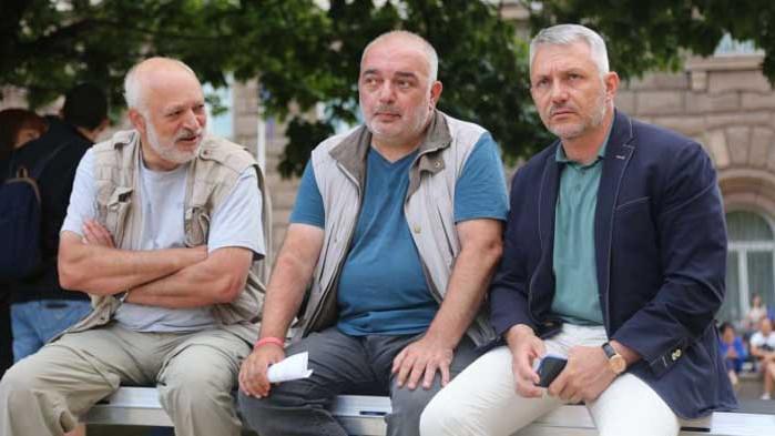 """Национален синдикат """"Защита"""": """"Отровното трио"""" ще изгони протестиращите от площада"""