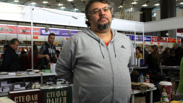 Манол Пейков: По-ниско ДДС за книги означава по-високи заплати за хората, които правят книги