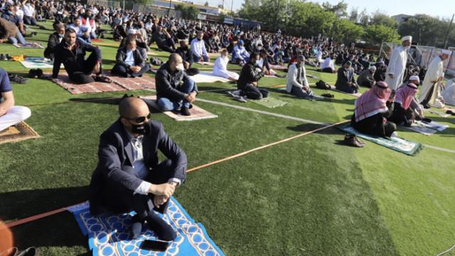 Главният мюфтия отслужи молитва за Рамазан Байрам на открито