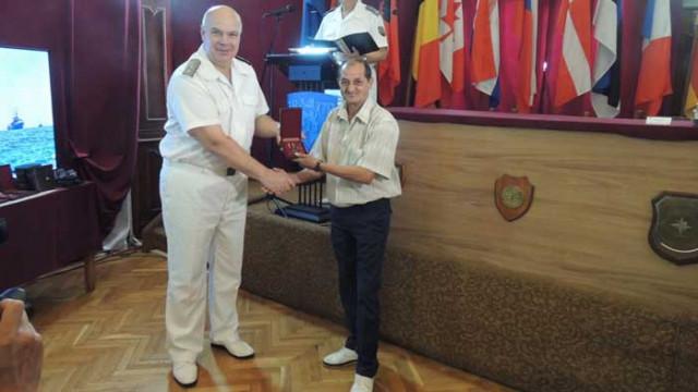 Награждаване на военнослужещи от военноморските сили