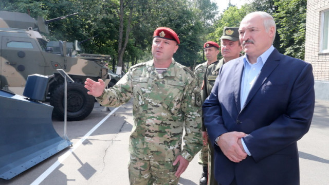 "Лукашенко изкарал коронавируса ""на крак"""