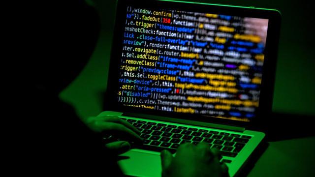 Експерт съветва какво да правим при кибератака към смартфона ни