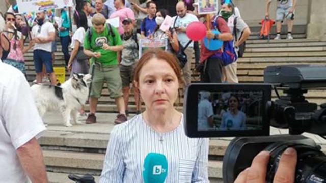Измисля ли си новини Канна Рачева