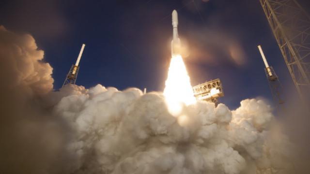 НАСА изстреля апарат към Марс в търсене на доказателства за древен живот (ВИДЕО)