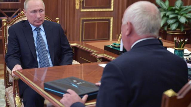 Русия тормози критичка на Кремъл след планиран протест срещу Путин